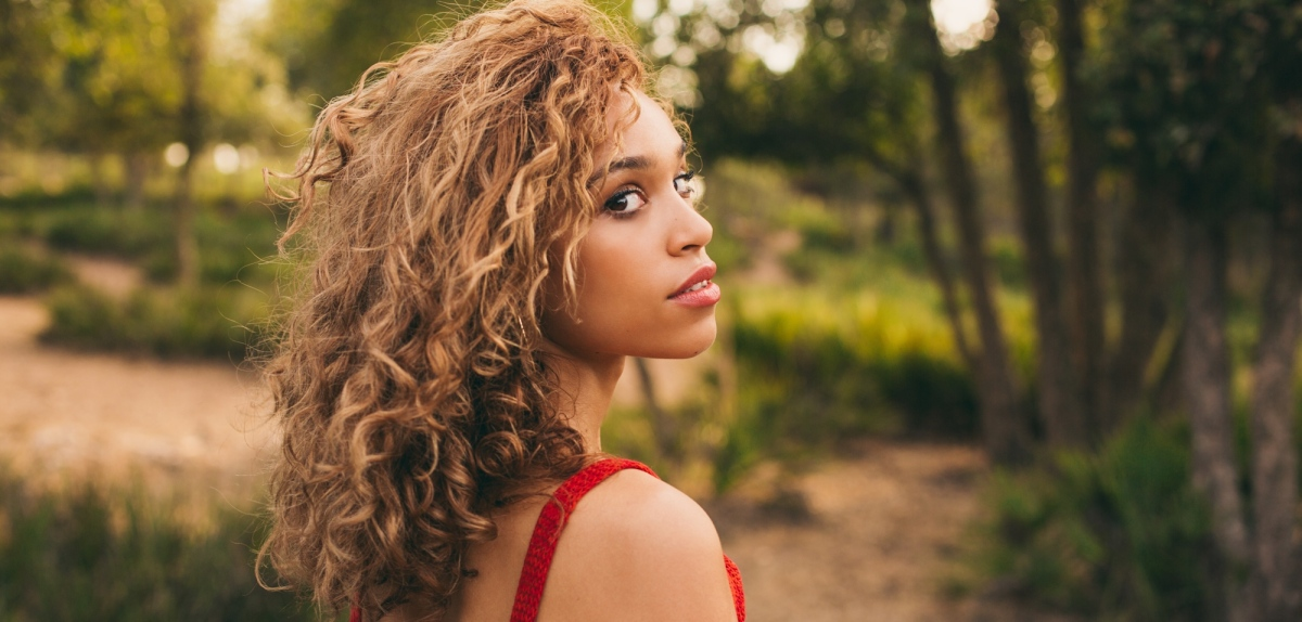Album review: Izzy Bizu – A Moment Of Madness